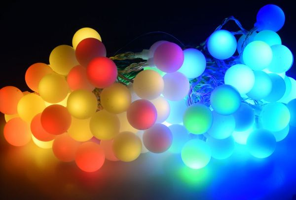 LED Party Lichterkette mit 80 bunten Kugeln inkl. IP44 Trafo