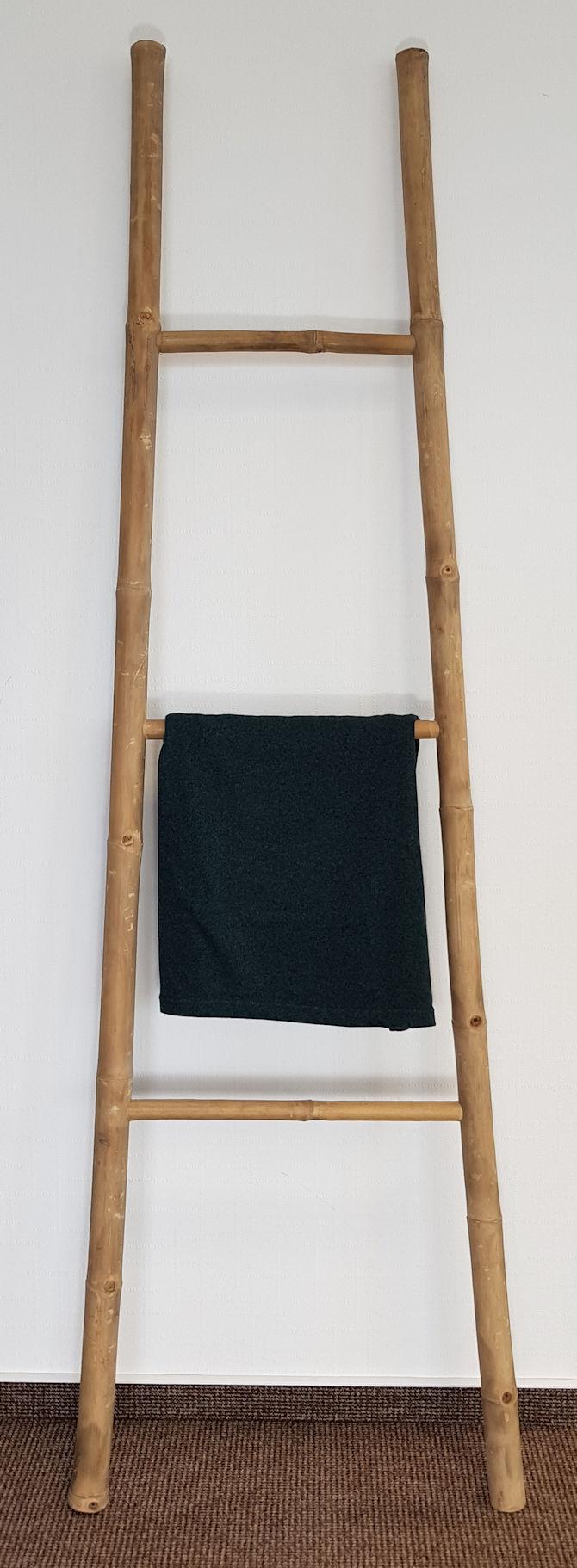 Holz leiterregal 3 sprossen bambus handtuchhalter for Leiterregal holz